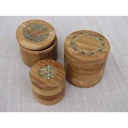 Pots de bois décorés